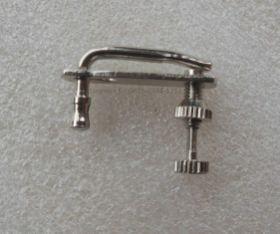 String Adjuster Violin Fine Tuner Chrome menekan pas pada senar biola, sehingga mengurangi kemungkinan harus tuning ulang setelah pemakaian.