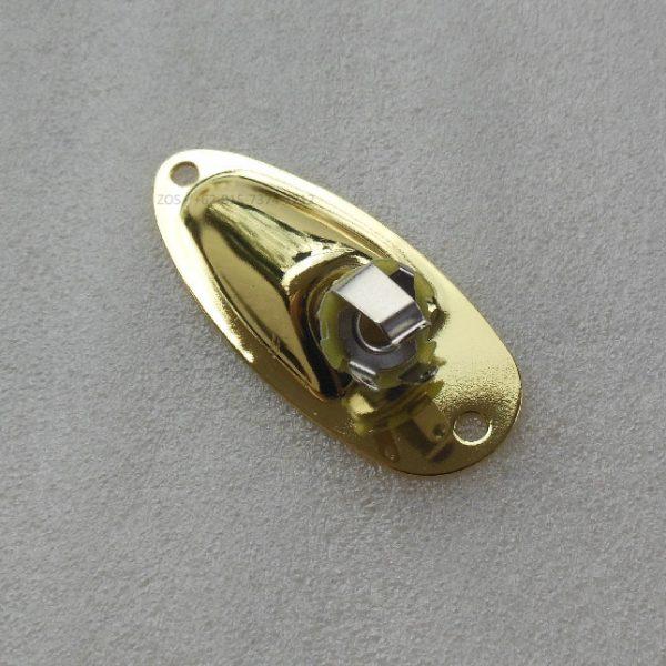 Jack Plate Stratocaster Gold 100% Barang Baru dari besi berkualitas dan lapisan warna gold yang melindungi besi dari karat sehingga lebih tahan lama.