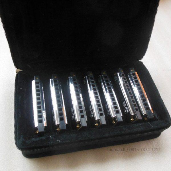 Harmonica Set Diatonic Golden Cup JH-1020-7 terbuat dari bahan berkualitas tinggi dan merek terpercaya, untuk teman, kerabat, keluarga, dan pasangan Anda.