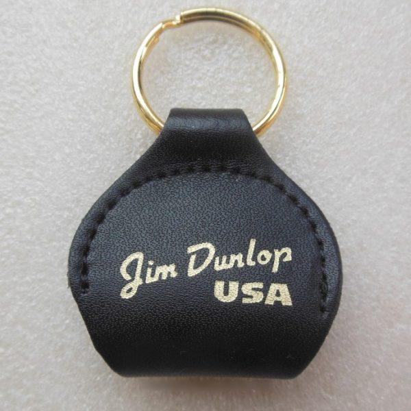Pickholder Dunlop 5200 berbeda dengan pickholder kebanyakan, tipe ini berbentuk kantung dengan ring kecil untuk dikaitkan pada bagian seperti strap/dryer.
